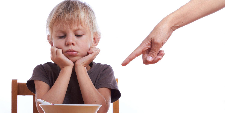 Kids, Food & Power Struggles: How To Avoid Dinnertime Drama